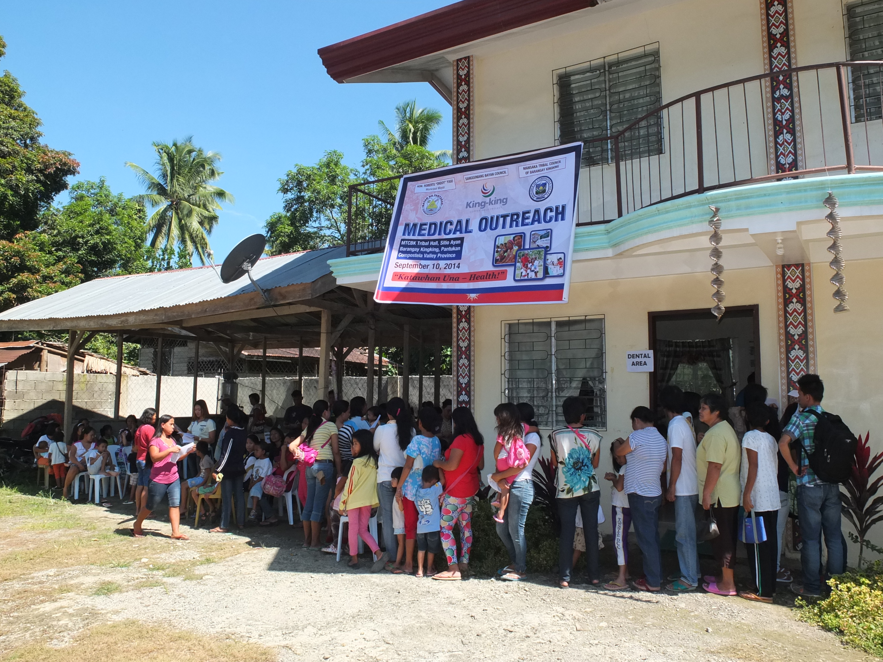 The King-king Copper-Gold Project (KCGP), in partnership with the local government unit and the Mansaka tribal council, conducted a free medical clinic for the indigenous people on September 10, 2014 at the Mansaka Tribal Council hall of Brgy Kingking (MTCBK) in Sitio Ayan, Brgy. Kingking, Pantukan, Compostela Valley in Mindanao.